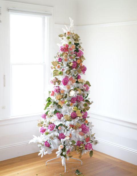 Wood, Flower, Interior design, Room, Pink, Hardwood, Petal, Purple, Fixture, Magenta,
