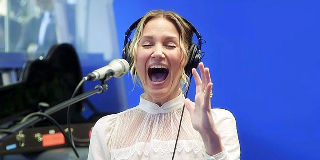 You'll Want to Play Jennifer Nettles's Mashup of