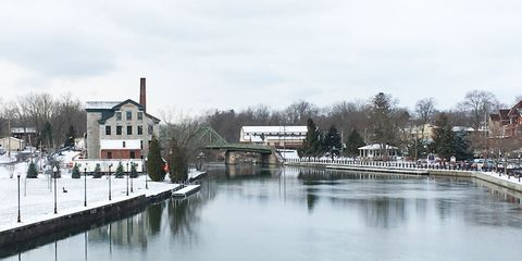 Winter, Waterway, Channel, Reflection, Bank, Watercourse, Freezing, Roof, Residential area, River,