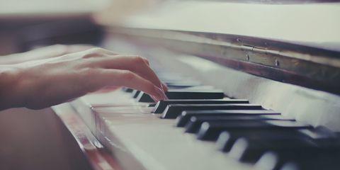 Musical instrument, Finger, Keyboard, Music, Hand, Musical instrument accessory, Piano, Organ, Nail, Music artist,