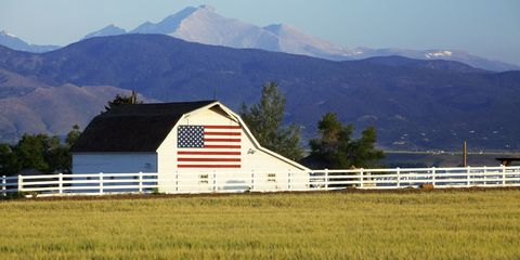 Mountainous landforms, Mountain range, Highland, Hill, Landscape, Land lot, Ridge, Plain, Mountain, Rural area,