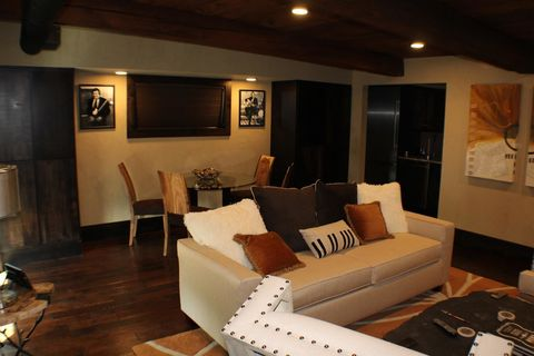 Johnny Cash Tennessee Home Apartment Interior