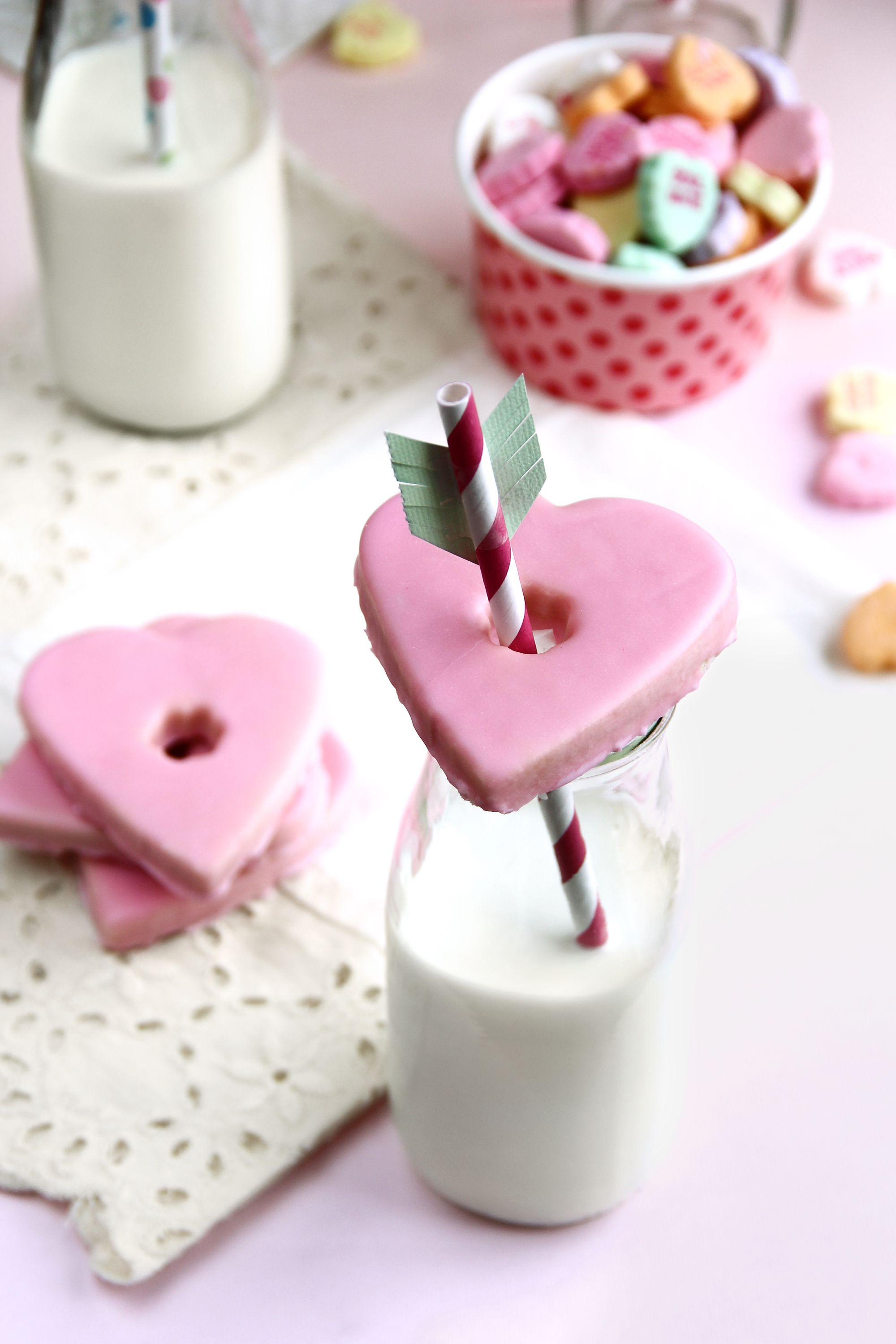 27 Best Heart-Shaped Cookies & Desserts - Valentine\'s Day Treats ...