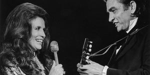 johnny cash and june carter cash performing together
