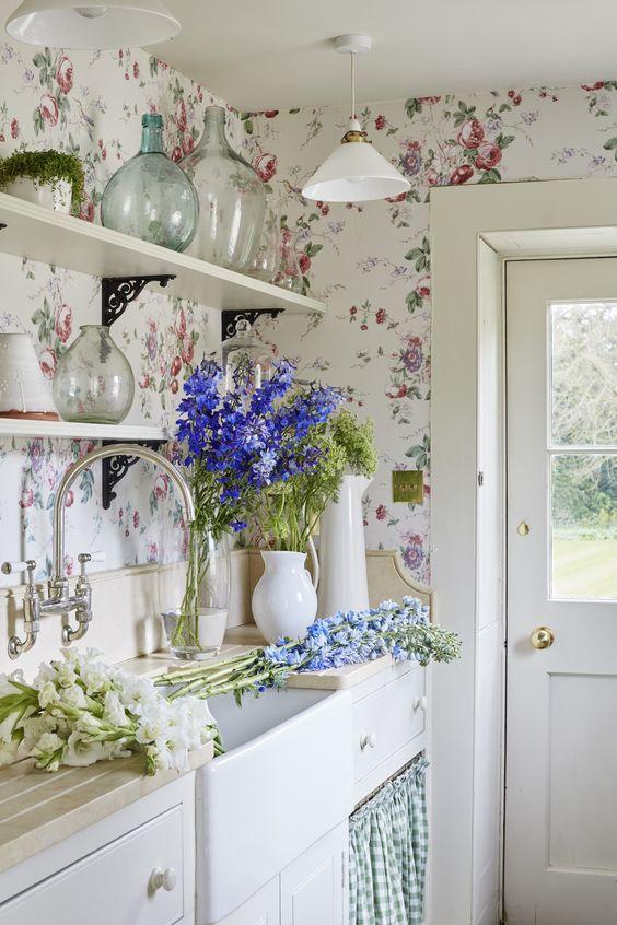 Attractive Floral Wallpaper