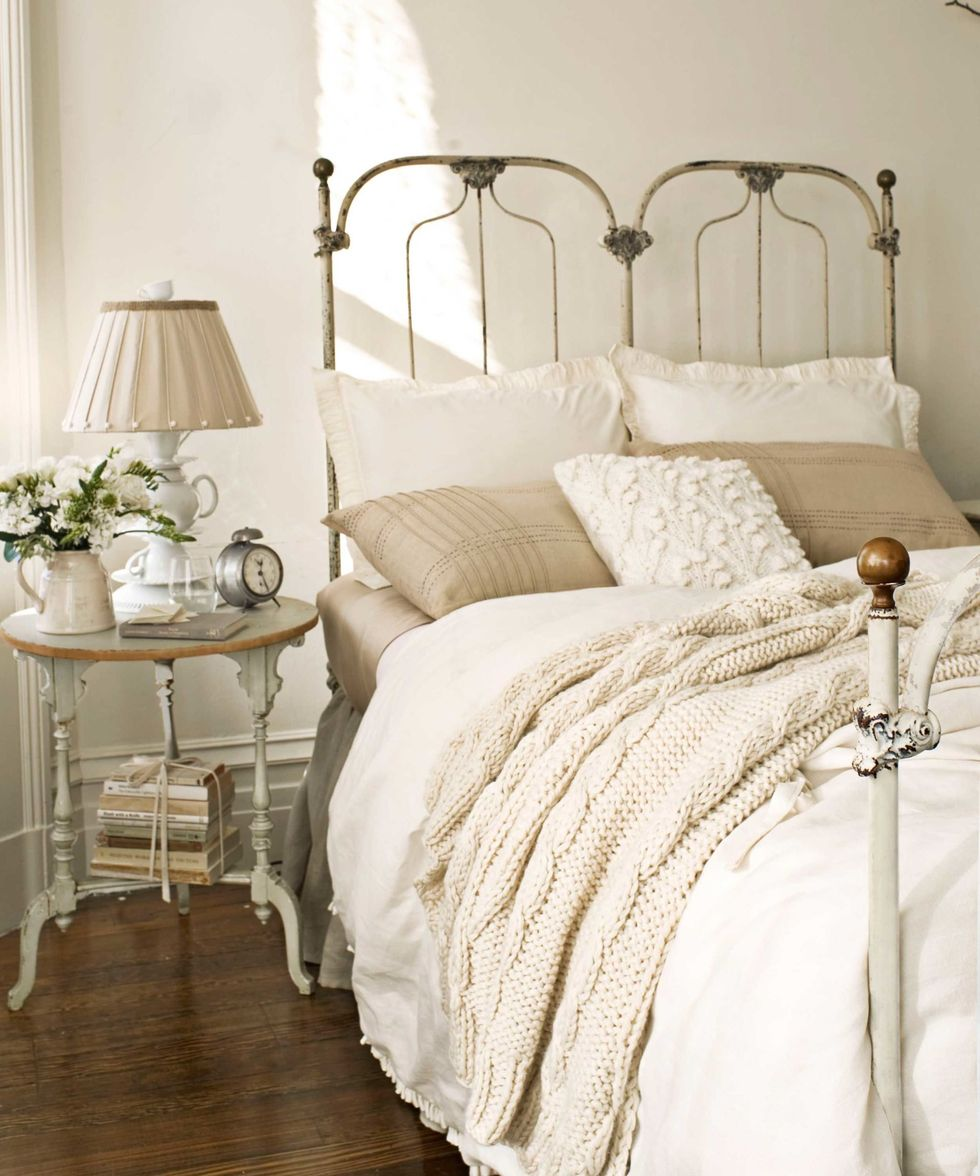 15 Vintage Décor Ideas to Steal From Grandma's House Cast Iron Beds