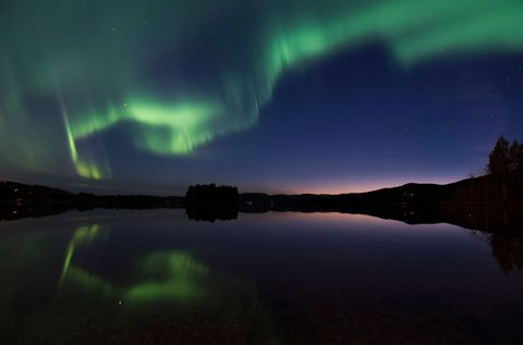 Nature, Green, Aurora, Night, Reflection, Natural landscape, Atmosphere, Landscape, Horizon, Dusk,