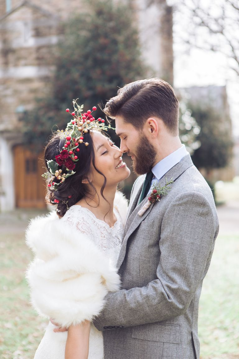32 Dreamy Winter Wedding Photos