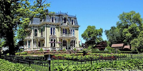 Plant, Property, House, Real estate, Garden, Villa, Shrub, Mansion, Home, Manor house,