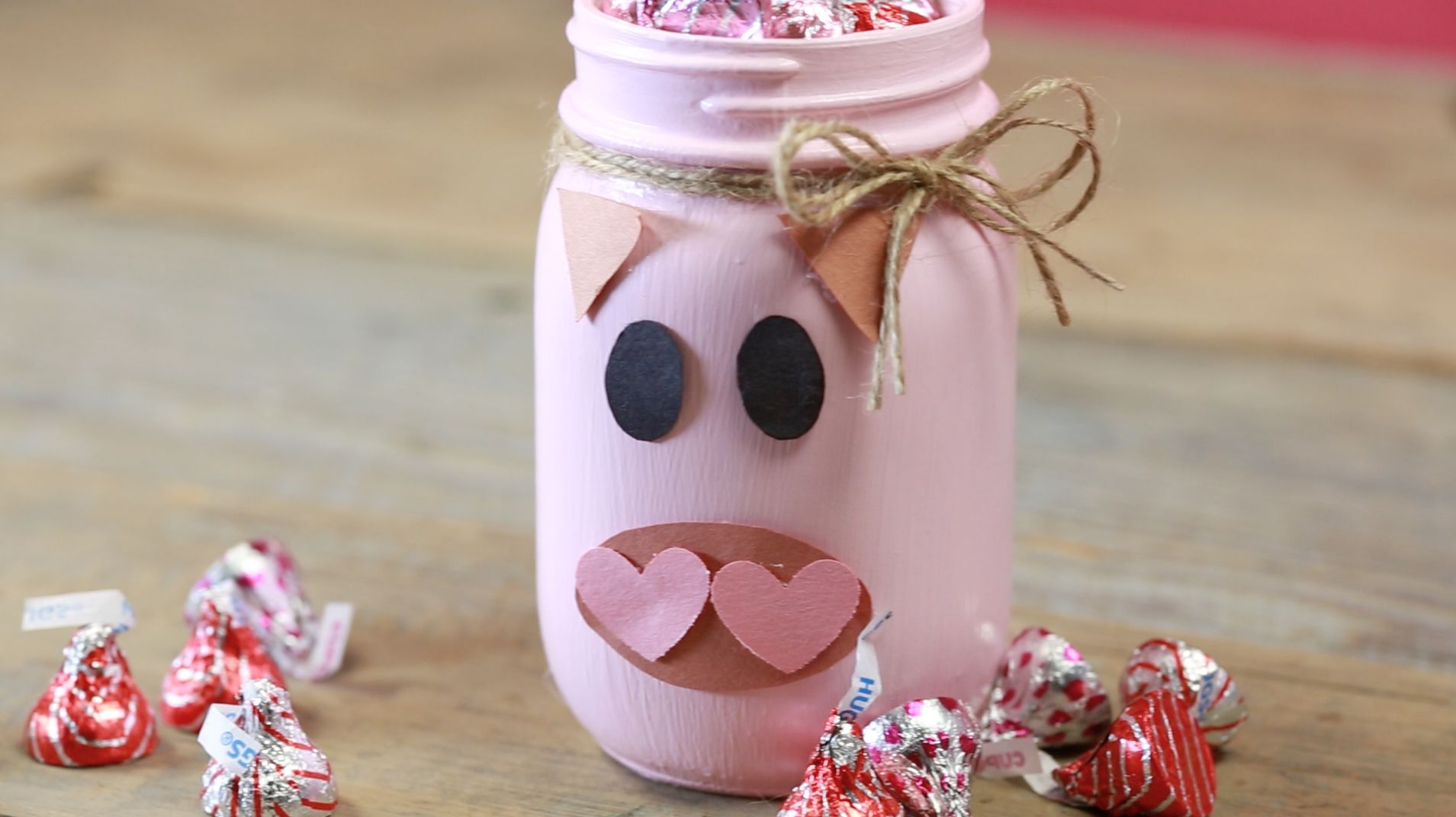 Diy Hogs Kisses Valentine S Day Mason Jars How To Make A