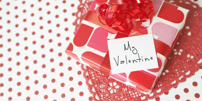 12 Valentine\'s Day Gifts You Should Never, Ever Give - Worst ...