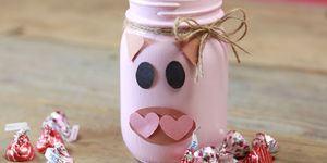 hogs and kisses mason jar valentine's day diy gift idea