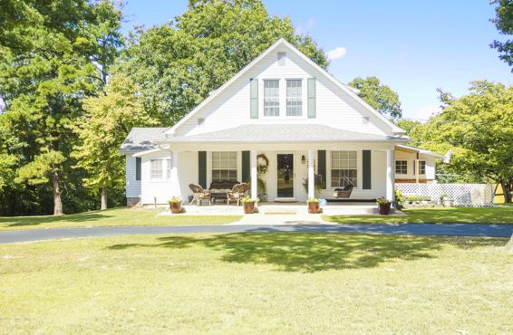farmhouses for sale 2017 country homes in every state rh countryliving com