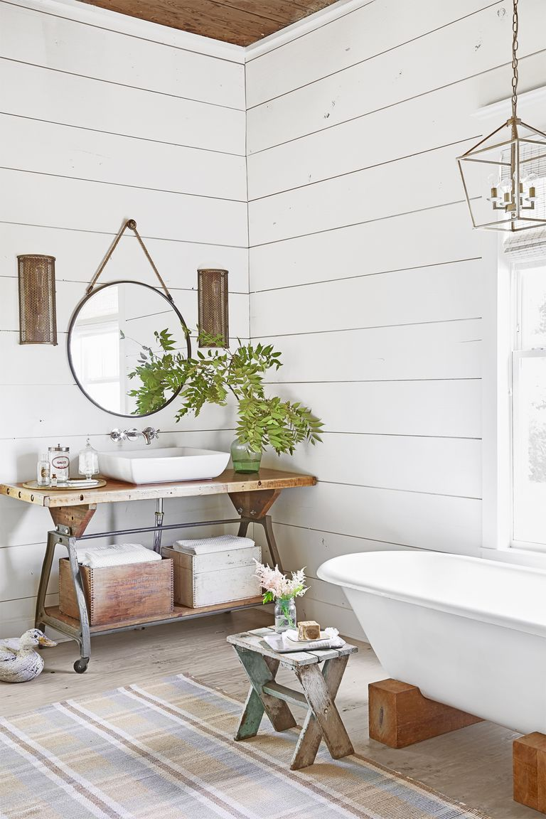 59 Best Farmhouse Wall Decor Ideas For Bathroom: 100 Year Old Texas Farmhouse