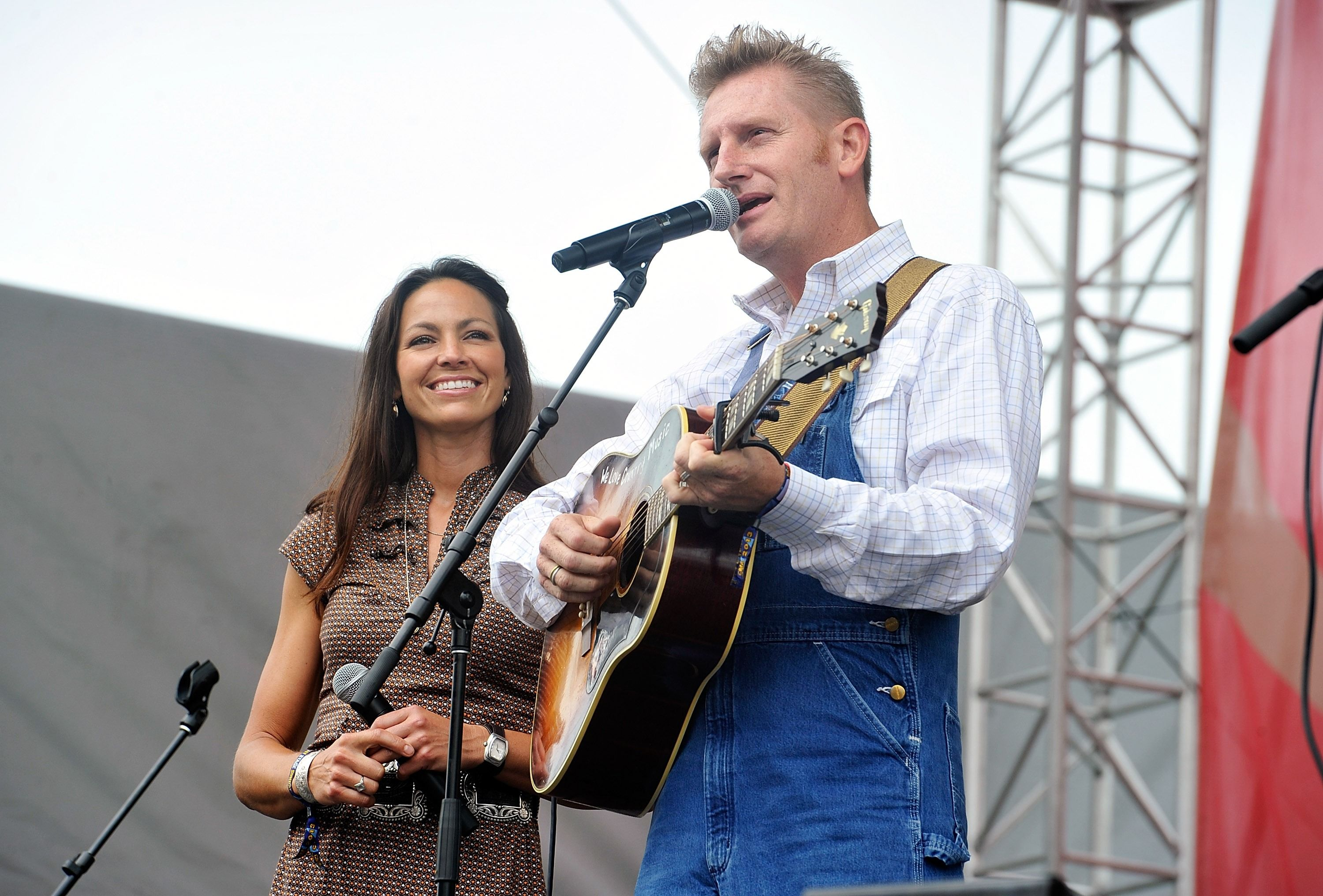 Rory Feek Is Opening Up His Barn for Christmas Shows to Honor His ...