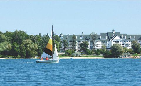 Sail, Watercraft, Water, Boat, Sailing, Coastal and oceanic landforms, Sailboat, Windsports, Skiff, Boating,