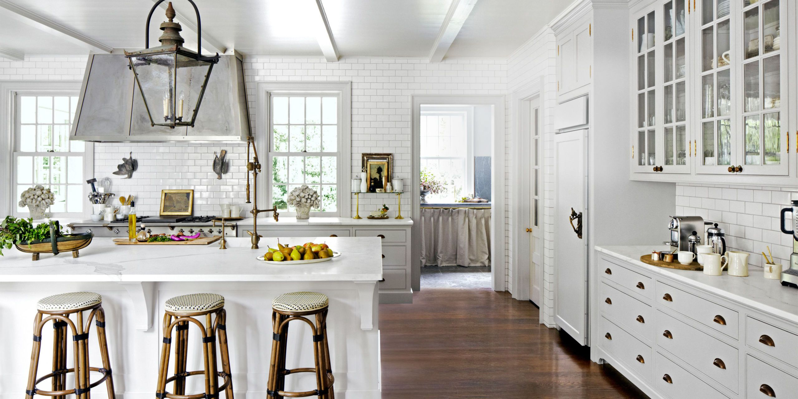 You Canu0027t Go Wrong With White In The Kitchen, So Sit Back And Let These  Fabulous Ideas And Pictures Inspire You To Take Your Kitchen From Drab To  Dazzling.
