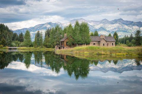 Mountainous landforms, Reflection, Mountain range, Natural landscape, Highland, Landscape, Tree, House, Bank, Mountain,