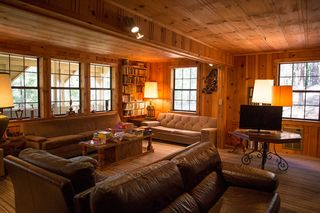 This Cottage Living Room Went From Dark and Dated to a ...
