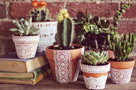 Diy Flower Pot Ideas, How To Make Outdoor Plastic Plant Pots Look Nice