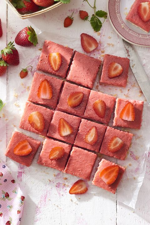 strawberry rhubarb shortbread bars