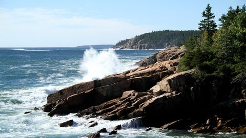 Body of water, Coastal and oceanic landforms, Fluid, Natural landscape, Water resources, Water, Ocean, Liquid, Wave, Coast,
