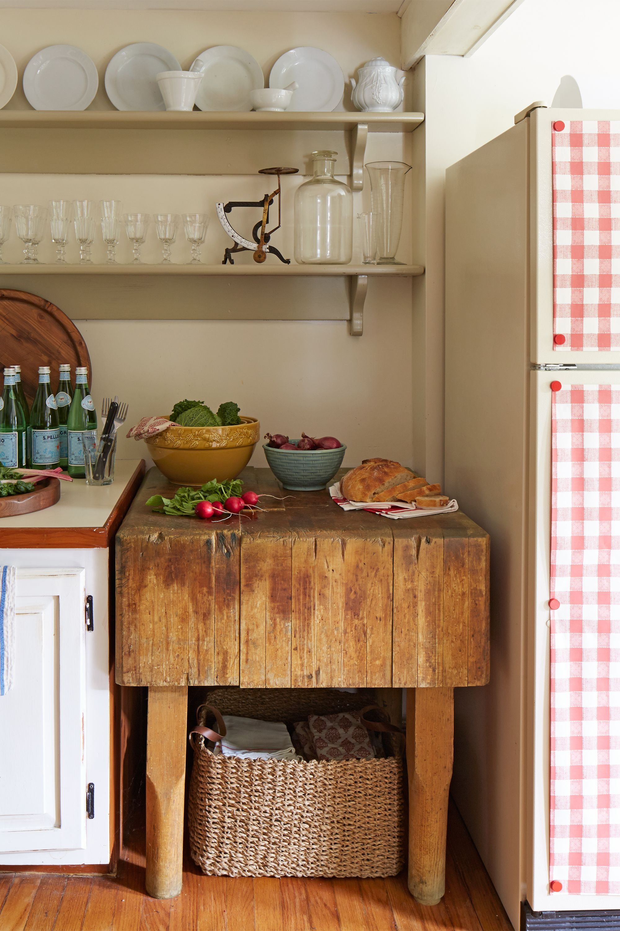 100+ Kitchen Design Ideas - Pictures of Country Kitchen Decorating on old world kitchen design ideas, old world home decor ideas, old world kitchen backsplash ideas,