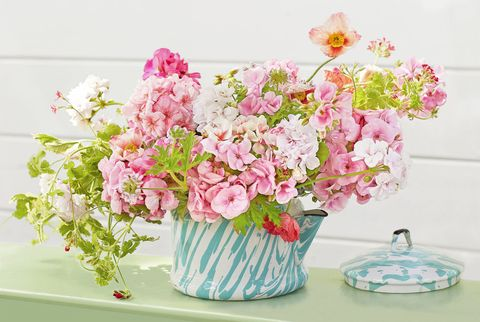 40 spring centerpieces and table decorations ideas for spring tea kettle flowers mightylinksfo