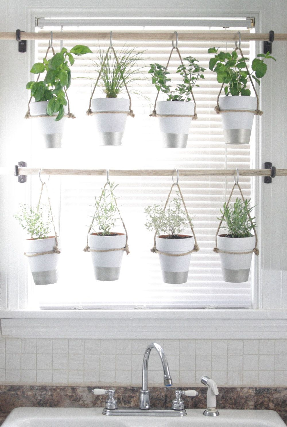 26 Creative Ways to Plant a Vertical Garden - How To Make a Vertical ...