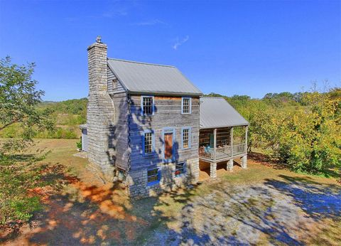 House, Building, Home, Roof, Real estate, Rural area, Paint, Cottage, Farmhouse, Village,