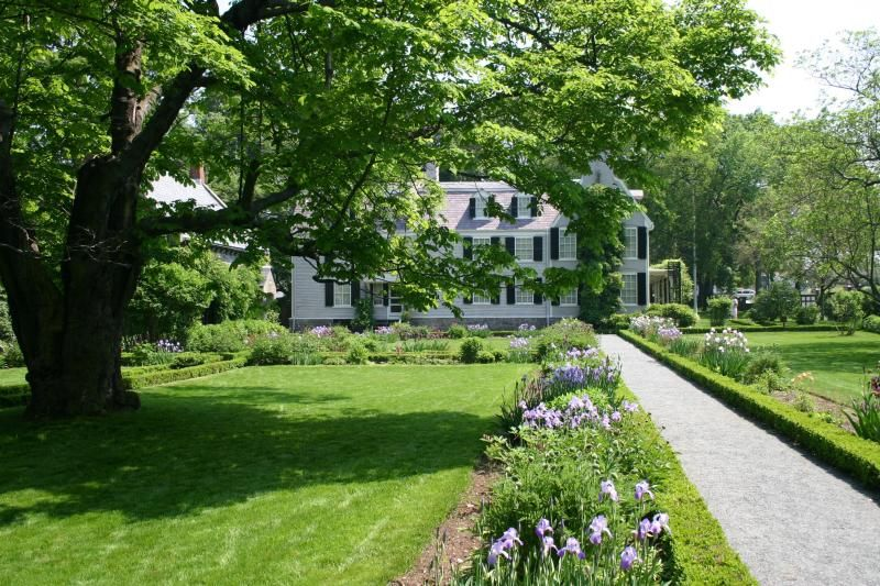 Oldest Gardens in the U.S. - The Country\'s Oldest Landscaped and ...