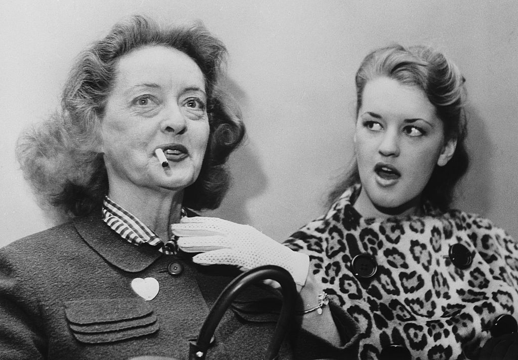 Bette Davis' Daughter Reveals Details About Her Mother's Bizarre ...