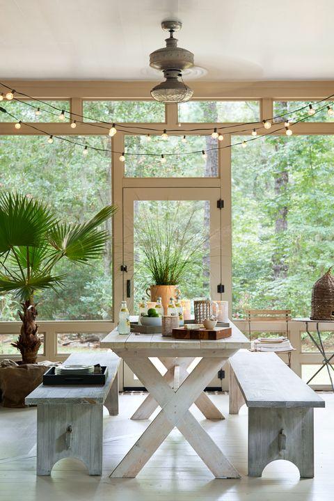 60 best patio designs for 2019 ideas for front porch for Arredare veranda chiusa