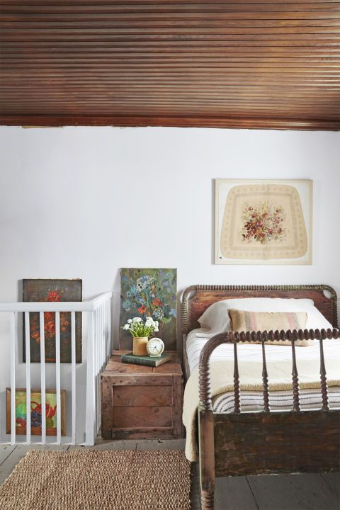 10 Great Ideas To Jazz Up A Small Square Bedroom: Decor Ideas For Guest Rooms