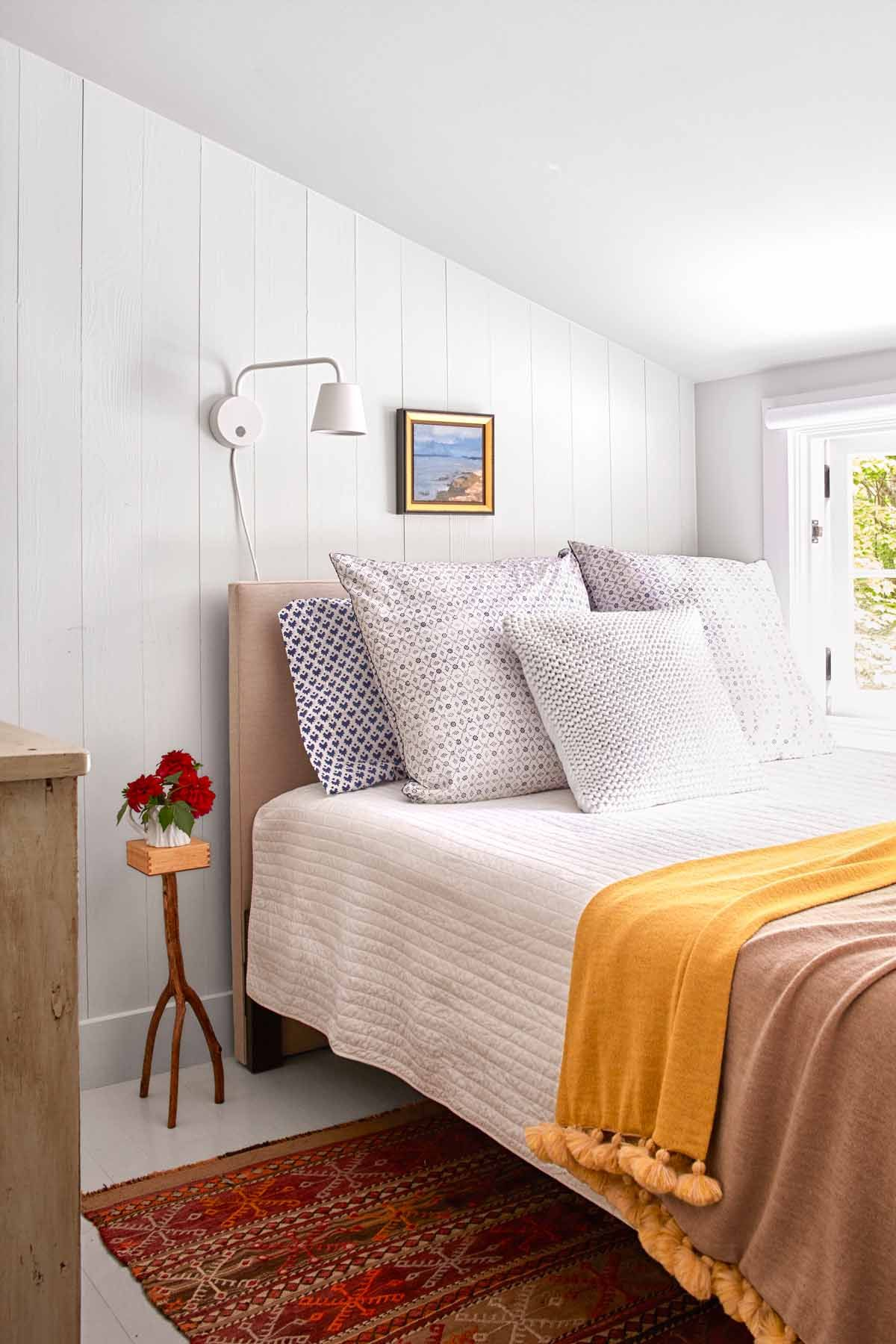 fascinating Guest Room Themes Part - 5: Country Living Magazine