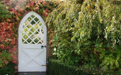 17 Best Garden Gates - Ideas for Beautiful Garden Gates