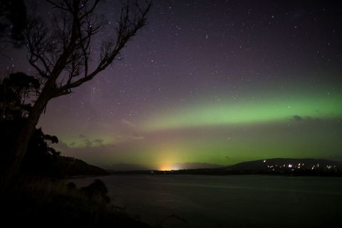Nature, Aurora, Night, Green, Natural landscape, Natural environment, Photograph, Atmosphere, Landscape, Atmospheric phenomenon,