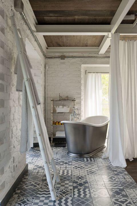 Room, Property, Floor, Bathroom, House, Interior design, Architecture, Building, Furniture, Tile,