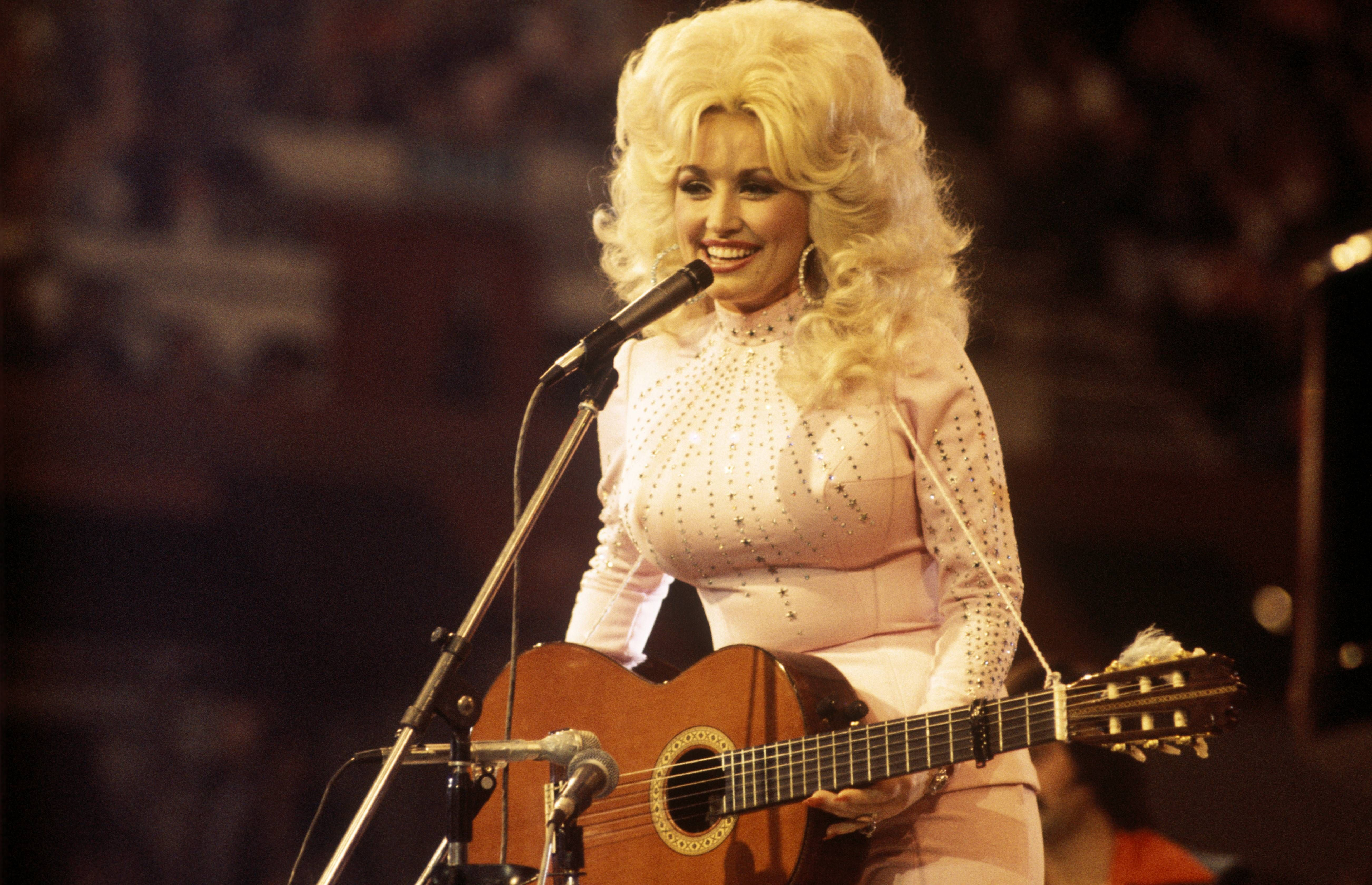 Biggest Country Music Hair Of All Time How Country Hairstyles Have