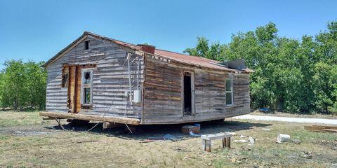 Wood, Property, Landscape, Land lot, House, Rural area, Real estate, Roof, Home, Shack,
