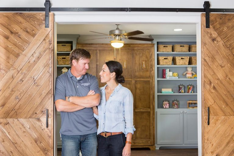 3 new 39 fixer upper 39 secrets that will change the way you for Do people on fixer upper get to keep the furniture
