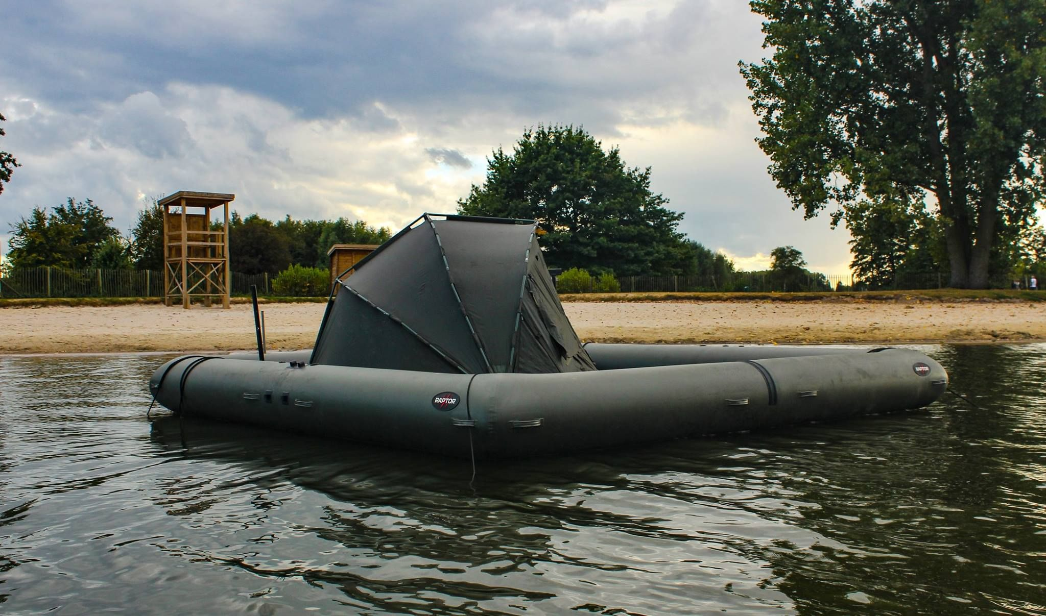 a6e5f6cc73f Raptor Boat with Tent - Boat With a Tent