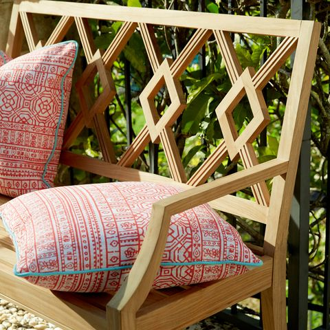 Wood, Textile, Hardwood, Pattern, Cushion, Throw pillow, Linens, Pillow, Design, Wicker,