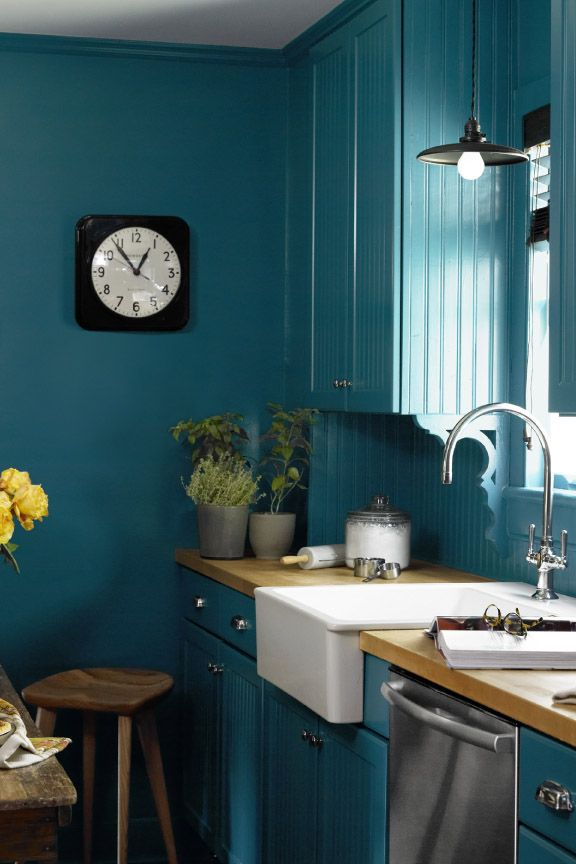10 beautiful blue kitchen decorating ideas best blue paints for rh countryliving com  beautiful blue kitchen cabinets