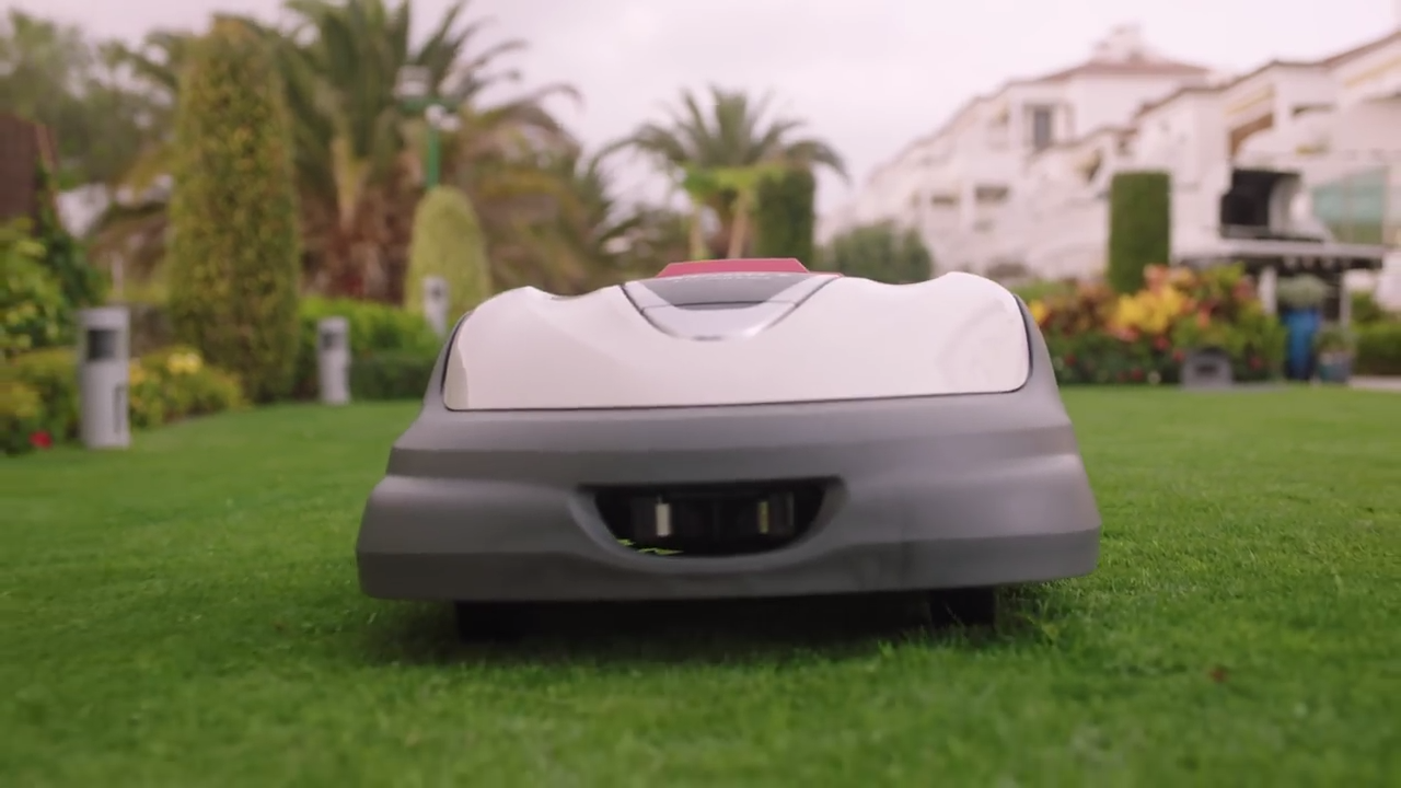 the roomba for lawns is finally here - honda miimo lawn