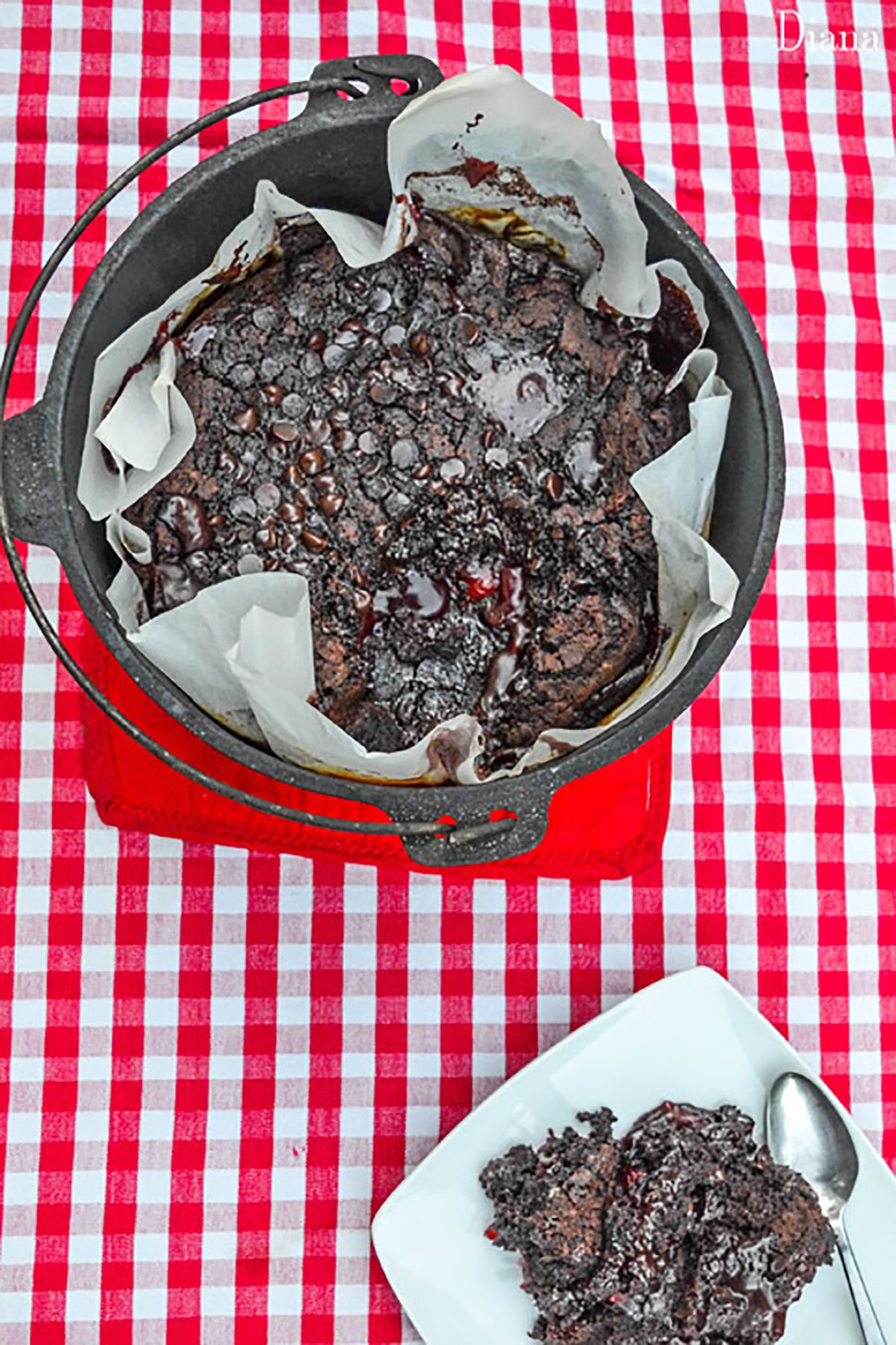 25 Easy Campfire Desserts Best Recipes For Dutch Oven Desserts