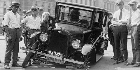 Motor vehicle, Wheel, Mode of transport, Automotive design, Vehicle, Classic car, Photograph, Car, Classic, Fender,