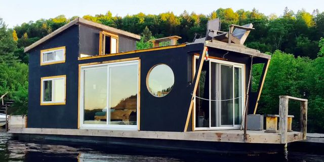 12 Best Houseboat Rentals - Cute Houseboats You Can Rent in