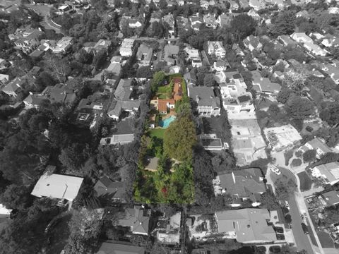 Residential area, Neighbourhood, Property, Urban area, Suburb, Landscape, Aerial photography, Bird's-eye view, Roof, House,