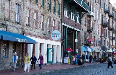 Town, Street, Building, Neighbourhood, Architecture, Urban area, Pedestrian, Human settlement, City, Facade,